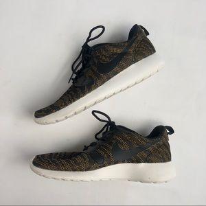 Nike Roshe Run One Jacquard gold and black sneaker